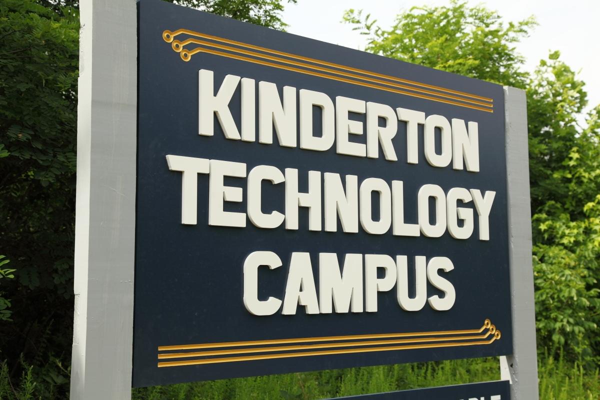 Kinderton-Technology-small-208